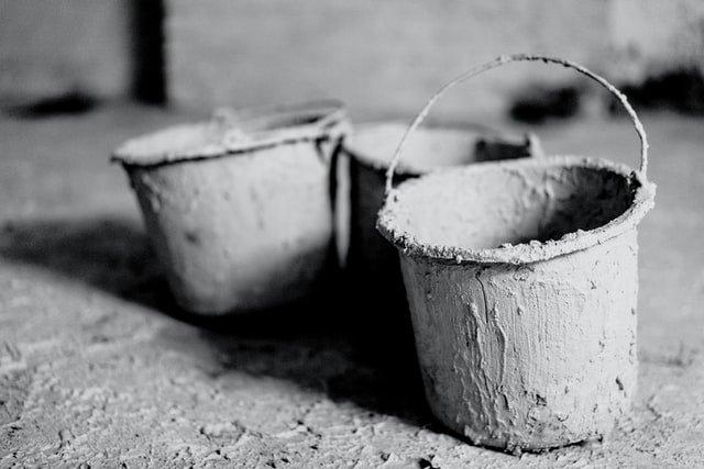 diy concrete flooring using buckets